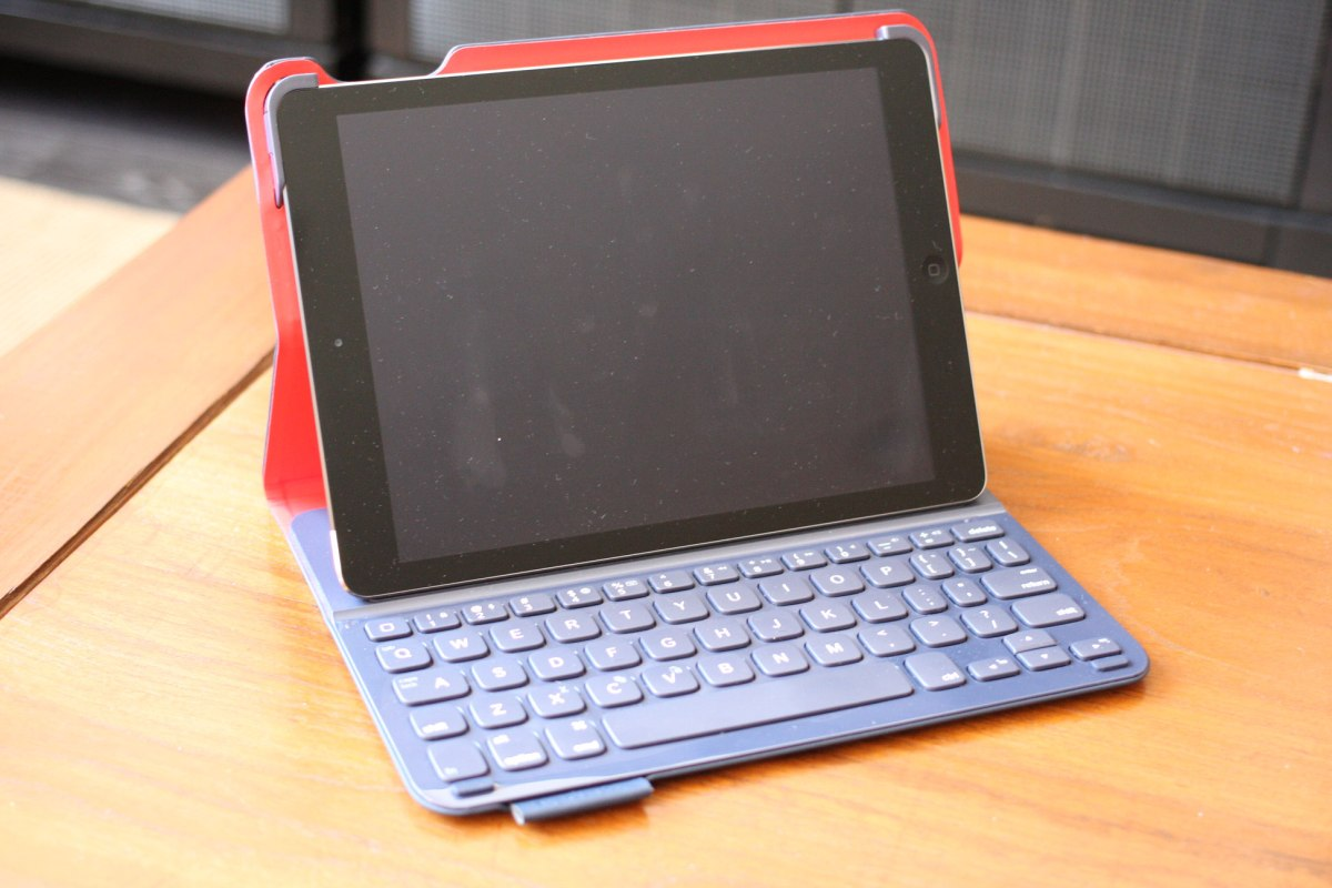 Logitech ultrathin keyboard folio how to connect
